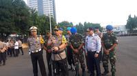 Kapolda Metro Jaya Irjen Gatot Eddy Pramono memimpin apel pasukan 'Operasi Keselamatan 2019' (Merdeka/Ronald)