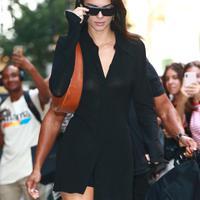 Kendall Jenner rindu tampil di New York Fashion Week (FOTO: Splashnews)