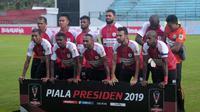 Skuat Persipura Jayapura saat menghadapi Kalteng Putra di Stadion Moch Soebroto, Magelang, Sabtu (16/3/2019). (Bola.com/Vincentius Atmaja)