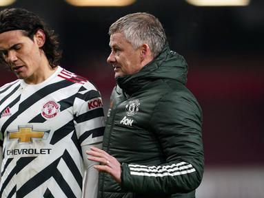 Striker Manchester United, Edinson Cavani merasa tidak bahagia dan berniat hengkang dari Old Trafford akhir musim ini bertepatan dengan habisnya masa kontrak. Jika benar pergi, berikut 5 pemain yang diprediksi bisa menggantikan perannya di lini serang Setan Merah. (AFP/Jon Super/Pool)