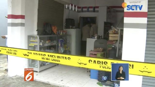 Garis polisi masih dipasang menandakan proses penyelidikan polisi belum usai. Tim khusus bentukan Polda Metro Jaya dan Polres Bekasi Kota telah bergerak.