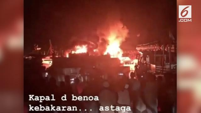 Terjadi kebakaran besar di Pelabuhan Benoa yang menghanguskan 8 kapal penangkap ikan.