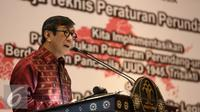 Menkumham, Yasonna Laoly memberikan arahan saat menutup raker peraturan perundangan-undangan di Jakarta, Jumat (24/6). Dalam kegiatan tersebut sekaligus pemberian Anugerah Nawacita Legislasi 2016. (Liputan6.com/Faizal Fanani)