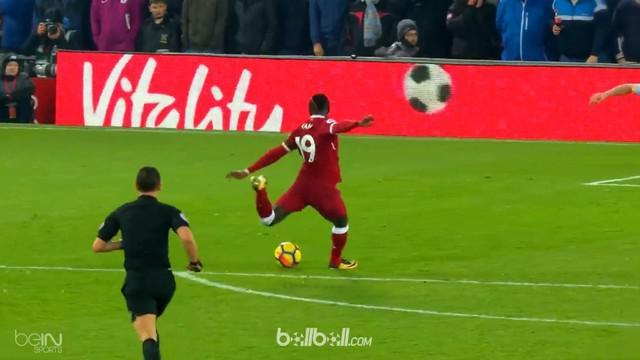 Berita video highlights 6 gol terbaik Premier League pekan ke-23, Sadio Mane dan Roberto Firmino. This video is presented by Ballball.