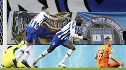 Juventus dikejutkan dengan dua gol cepat yakni oleh Mehdi Taremi 1 menit 3 detik dan gol Moussa Marega 19 detik sejak kick-off babak kedua. (AP/Luis Vieira)
