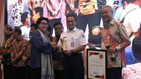 Pemprov DKI Jakarta menerima penghargaan dari KPK.
