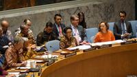 """Menlu Indonesia Retno Marsudi memimpin jalannya Sidang DK PBB yang diwarnai """"Diplomasi Batik"""" di New York, Selasa (7/5/2019) (Dokumentasi Kemlu RI)."""