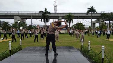 Senam Pagi Ala Polisi di Palembang Tangkal Corona Covid-19