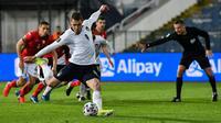 Andrea Belotti mencetak satu dari dua gol kemenangan Timnas Italia atas Bulgaria pada laga kedua Grup C kualifikasi Piala Dunia 2022 zona Eropa di Vasil Levski National Stadium, Senin (29/3/2021) dini hari WIB. (AFP/Nikolay DOYCHINOV)