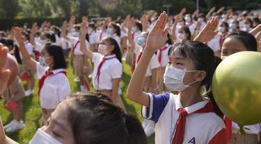FOTO: Hari Pertama Sekolah Tatap Muka di China