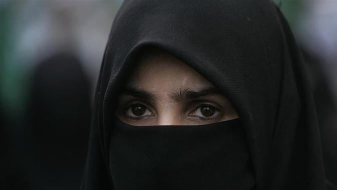 Ilustrasi busana yang menutup hingga wajah yang dilarang pemerintah Austria.( (AP)