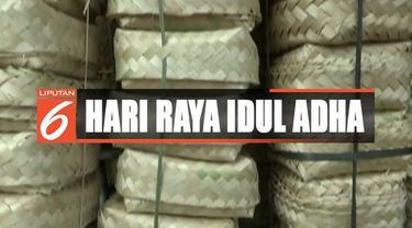 Meski harga dinaikkan oleh pedagang dua kali lipat dari dua Rp 2 ribu hingga Rp 4 ribu besek pun tetap habis terjual.