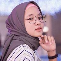 Alis natural Nissa Sabyan (instagram @nissa_sabyan)