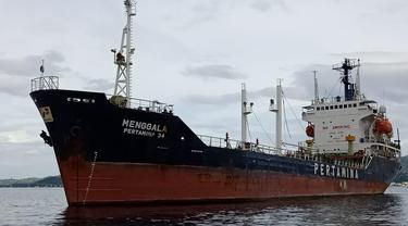 PT Pertamina (Persero) melalui subholdingnya PT Pertamina International Shipping (PIS) baru-baru ini berhasil menyelamatkan dua kapal milik Indonesia diperairan Indonesia
