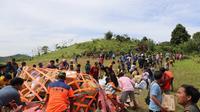 Penggunaan transportasi udara mengefektifkan pengiriman bantuan ke wilayah-wilayah terisolir pascagempa Magnitudo 6,2 di Sulawesi Barat. (Dok BNPB)