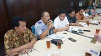 Ketua Panitia Haul Gus Dur ke-9 saat menggelar konferensi pers di RM Aden Ayem Solo Kamis (21/2).
