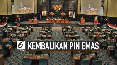 Sejumlah pihak berencana kembalikan pin emas DPRD DKI Jakarta periode 2019-2024. Pin emas yang gunakan anggaran Rp1,3 miliar itu dinilai hamburkan anggaran.