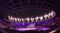 Suasana saat pembukaan Asian Para Games di SUGBK, Jakarta, Sabtu (06/10/2018). Pembukaan dimeriahkan para penyandang disabilitas. (Bola.com/M Iqbal Ichsan)