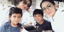 Anak Bunga Zainal dan Kakak Sambungnya (Sumber: Instagram/bungazainal05)
