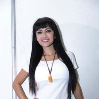Julia Perez saat bercerita tentang Kanker Serviks yang dialaminya di kawasan Tendean, Jakarta Selatan (Galih W Satria/Bintang.com)