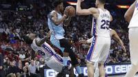 Jimmy Butler (tengah) memimpin Heat mengalahkan Sixers pada lanjutan NBA (AP)