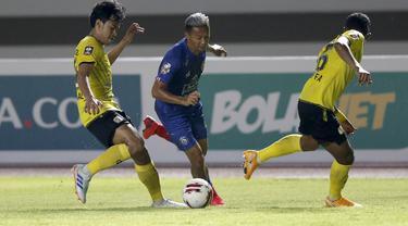 FOTO: Arema FC Tertinggal 0-2 dari Barito Putera di Babak Pertama - Dendi Santoso
