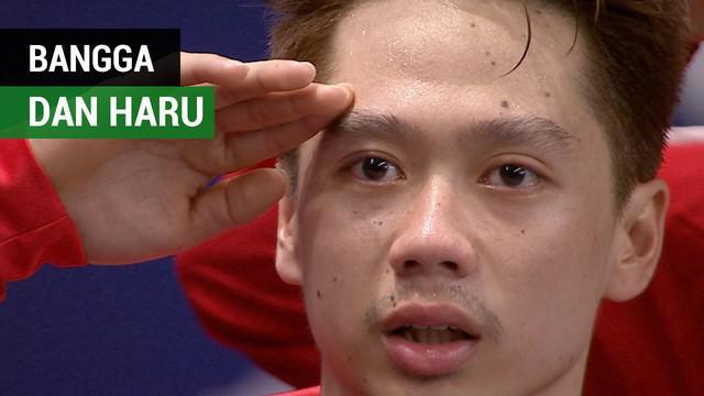 """Berita video momen menyanyikan lagu """"Indonesia Raya"""" yang membanggakan dan mengharukan di Asian Games 2018."""