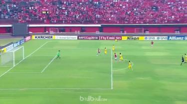 Bali United bangkit dari tertinggal untuk mengalahkan FLC Thanh Hoa 3-1 dalam lanjutan Grup G Piala AFC, Rabu (7/3). Tuan rumah Bali United kejebolan lebih dulu akibat tendangan bebas indah Ryutaro Karube. Beberapa saat kemudian, Pape Omar Faye gagal...
