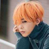 G-Dragon dikabarkan kembali masuk rumah sakit karena cidera di pergelangan kakinya. (AllKpop)