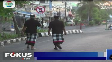 Selama pelaksanaan Hari Raya Nyepi, seluruh aktivitas warga terhenti, termasuk layanan di Bandara I Gusti Ngurah Rai, jalan tol, hingga di Pelabuhan Ketapang.