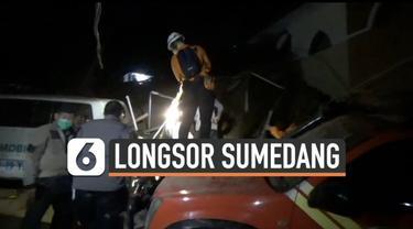Longsor susulan menimbun sejumlah warga yang sedang lihat proses pencarian korban. Musibah ini terjadi hari Sabtu (9/1) di Sumedang Jawa Barat.