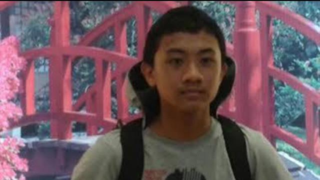 Berdasarkan rilis resmi dari Universitas Indonesia, jenazah yang ditemukan terapung di Danau Kenanga UI pada Kamis 26 Maret 2015 sudah teridentifikasi. Korban diketahui bernama Akseyna Ahad Dori, mahasiswa S1 program studi Biologi, FMIPA UI angkatan ...
