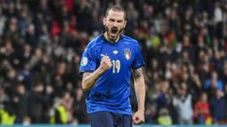 Leonardo Bonucci - Bek Juventus ini kembali menunjukkan kelasnya sebagai pemain bertahan kelas dunia di Euro 2020. Sepanjang laga ini, ia kerap memutus aliran bola Spanyol. Ia juga membuat empat sapuan di laga ini. (Foto:AP/Justin Tallis,Pool)