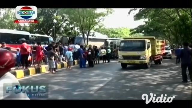 Kecelakaan lalu lintas, terjadi di jalur Ring Road Kota Madiun. Tepatnya di Kelurahan Ngegong, Kecamatan Manguharjo, Kota Madiun.
