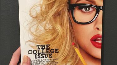 Majalah Playboy yang dikenal cukup legendaris memuat konten porno, mendadak mengeluarkan rencana mengejutkan dengan menghentikan pose wanita telanjang. Hal ini memunculkan kekecewaan bagi para penggemarnya.