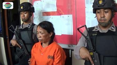 Polisi menangkap seorang wanita asisten rumah tangga yang mencuri uang tunai majikannya hingga Rp 50 juta. Dalam aksinya, pelaku berhasil mencuri uang hingga lima kali.