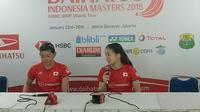 Misaki Matsumoto/Ayaka Takahashi mengaku sempat tertekan dengan dukungan para penonton tuan rumah. (Bola.com/Budi Prasetyo Harsono)