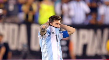 Lionel Messi kembali gagal mempersembahkan gelar juara bagi Argentina setelah kalah dari Cile di final Copa America Centenario 2016, Senin (27/6/2016) pagi WIB. (Reuters/Brad Penner-USA Today Sports)