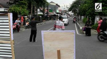 Pemprov DKI Jakarta menutup Jalan Otista selama 3 bulan. Penutupan terkait pembangunan Sodetan di Kali Ciliwung
