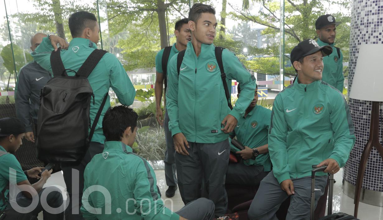 FOTO: Bertolak ke Kamboja, Timnas Indonesia Usung Target Menang  Indonesia Bola.com