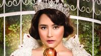 Prilly Latuconsina bergaya ala Snow White (Instagram/ FD Photography)