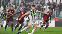 Cristiano Ronaldo memastikan kemenangan Juventus atas Genoa pada laga pekan ke-10 Serie A. (dok. Juventus)