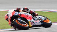 Pebalap Repsol Honda, Marc Marquez, menjadi yang tercepat pada sesi latihan bebas pertama (FP1) MotoGP Americas di Circuit of the Americas (COTA), Austin, Texas, AS, Jumat (8/4/2016). (Bola.com/Crash)