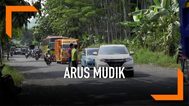 Pemerintah terus mempercepat perbaikan jalan untuk arus mudik 2019. Diantaranya pelebaran jalan nasional Tegal-Purwokerto.