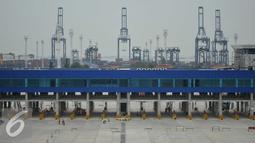 Fasilitas gate baru JICT dan Koja seluas 6,5 hektar itu juga dilengkapi jembatan weight in motion dan merupakan fasilitas gate terminal yang pertama di Indonesia, Jakarta, Jumat (27/5/2016). (Liputan6.com/Gempur M Surya)