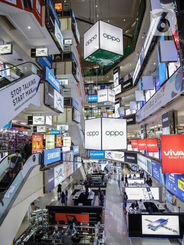 Lesu, Angka Penjualan Smartphone Alami Penurunan