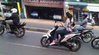 Banyak perempuan yang berkendara tidak memenuhi kaidah safety riding.