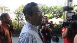 Mantan Ketua Mahkamah Konstitusi, Mahfud MD memenuhi undangan pimpinan KPK di Jakarta, Senin (25/03). Kedatangannya tersebut untuk melakukan diskusi tentang tindak pidana korupsi dan pencegahannya.merdeka.com/dwi narwoko