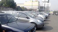 Parkir mobil (Foto: Liputan6/Rio Apinino).