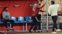 Sergio Ramos baru masuk ke lapangan pada menit ke-86 saat Timnas Spanyol berhadapan dengan Kosovo pada laga ketiga Grup B kualifikasi Piala Dunia 2022 zona Eropa di Estadio La Cartuja, Seville, Kamis (1/4/2021) dini hari WIB. (AFP/CRISTINA QUICLER)
